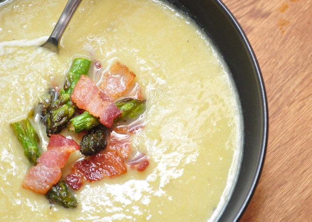 Light and Creamy Asparagus Soup |